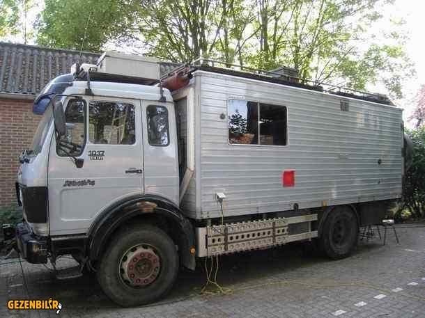 1017A-overland-truck-left-driver-side.jpg