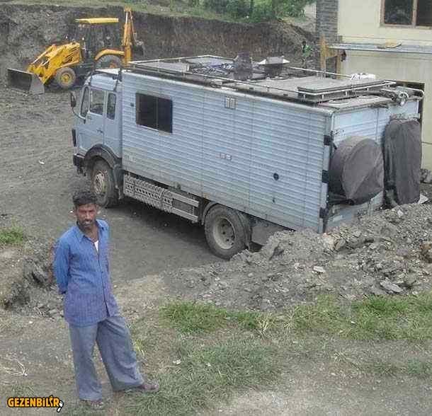 1017A-overland-truck-top-side.jpg
