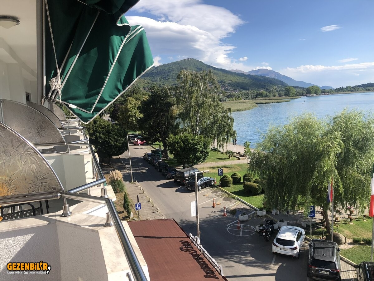 otelden ohrid gölü görünüş.jpg
