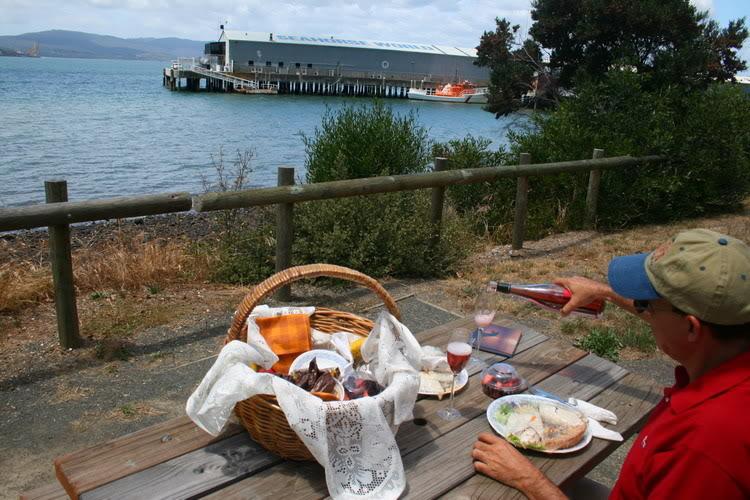 Piknik-Launceston.jpg